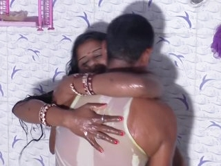 Hot desi shortfilm 190 - Aunty wet transparent nipple boob cleavage show