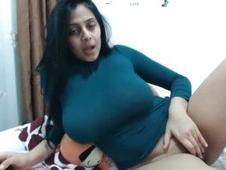 Desi big tits milf cam show