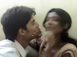 Mumbai College Girl Kissing