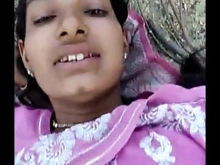 bihar ki bareli ki hindu girl hai khud hame chodne ko boli