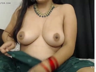 Bengali bhabhi on fire, she makes you cum